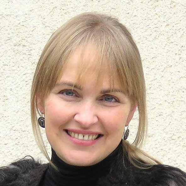 nadia szabo portrait